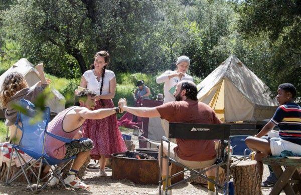 camping-jennifer-garner-ione-skye-brett-gelman-arturo-del-puerto-janicza-bravo