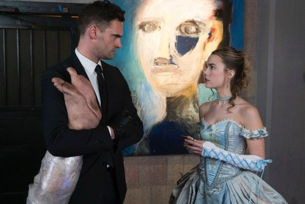 into-the-dark-the-body-tom-bateman-rebecca-rittenhouse