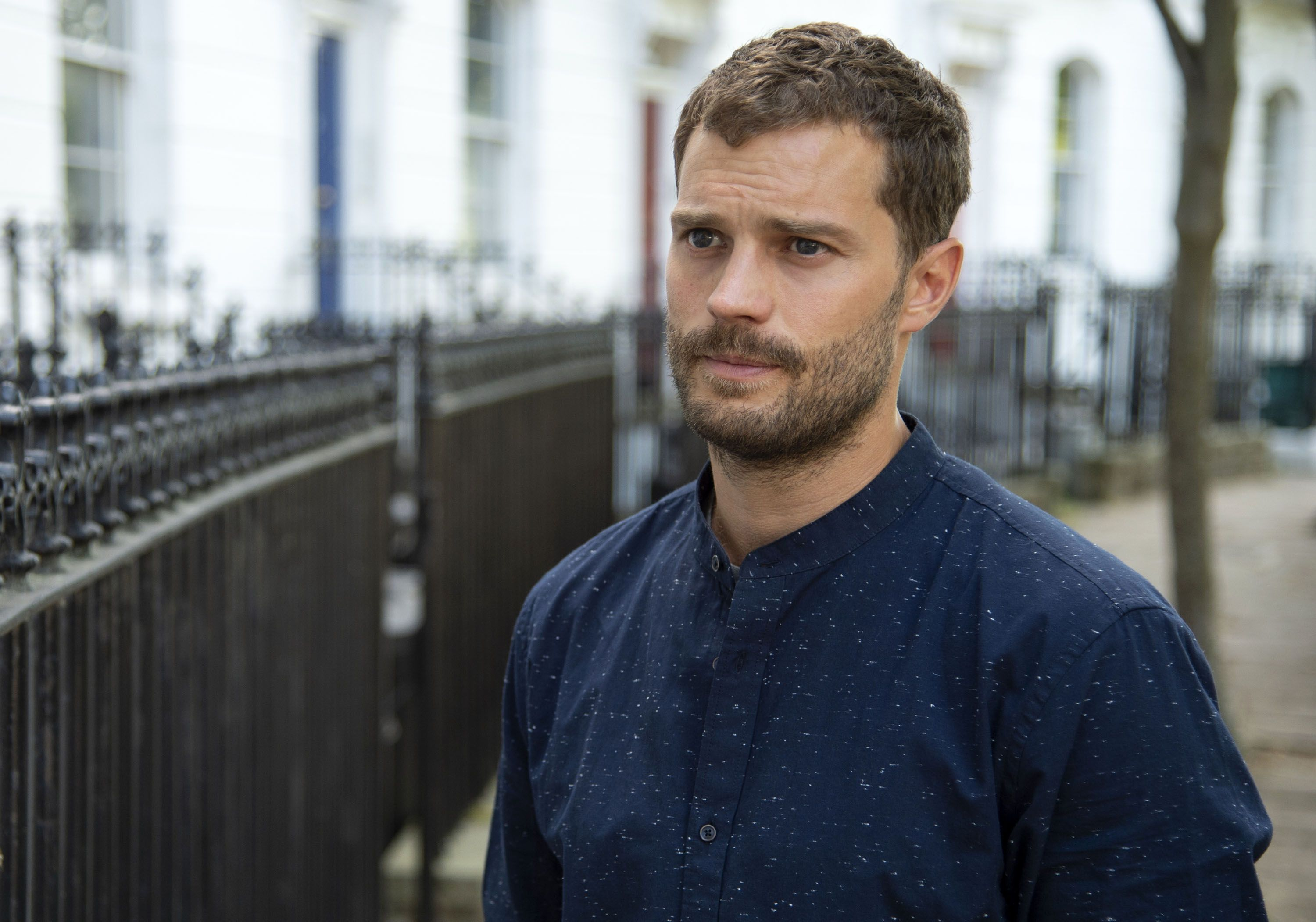Jamie Dornan Joins Kristen Wiig in Barb and Star Go to ...