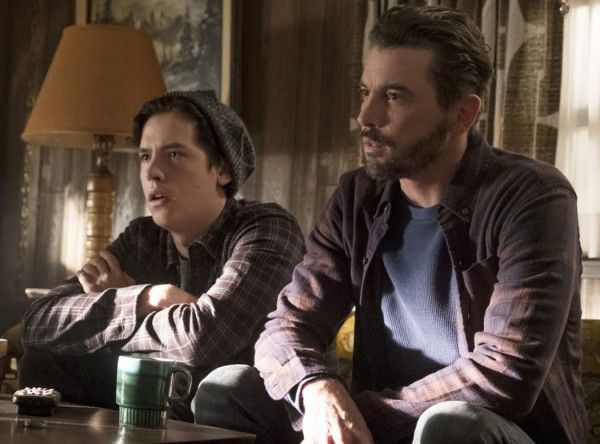 riverdale-skeet-ulrich-cole-sprouse