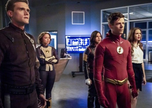 the-flash-hartley-sawyer-danielle-panabaker-grant-gustin-carlos-valdes-jessica-parker-kennedy