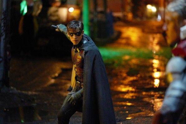 titans-brenton-thwaites-robin