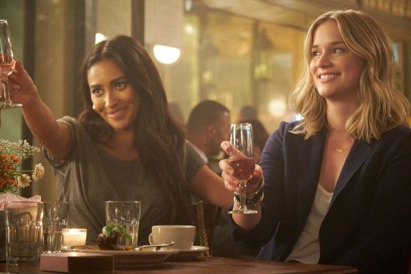 you-shay-mitchell-elizabeth-lail-01