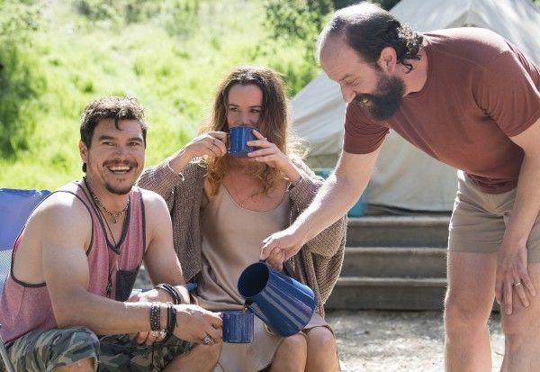 camping-brett-gelman-arturo-del-puerto-juliette-lewis