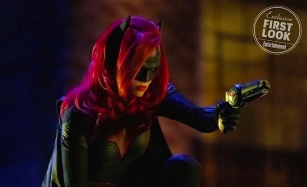 elseworlds-batwoman-ew