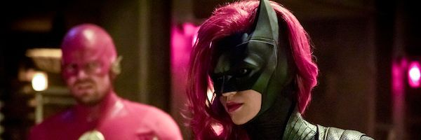 New Elseworlds Images Reveal Batwoman, Nora Fries | Collider