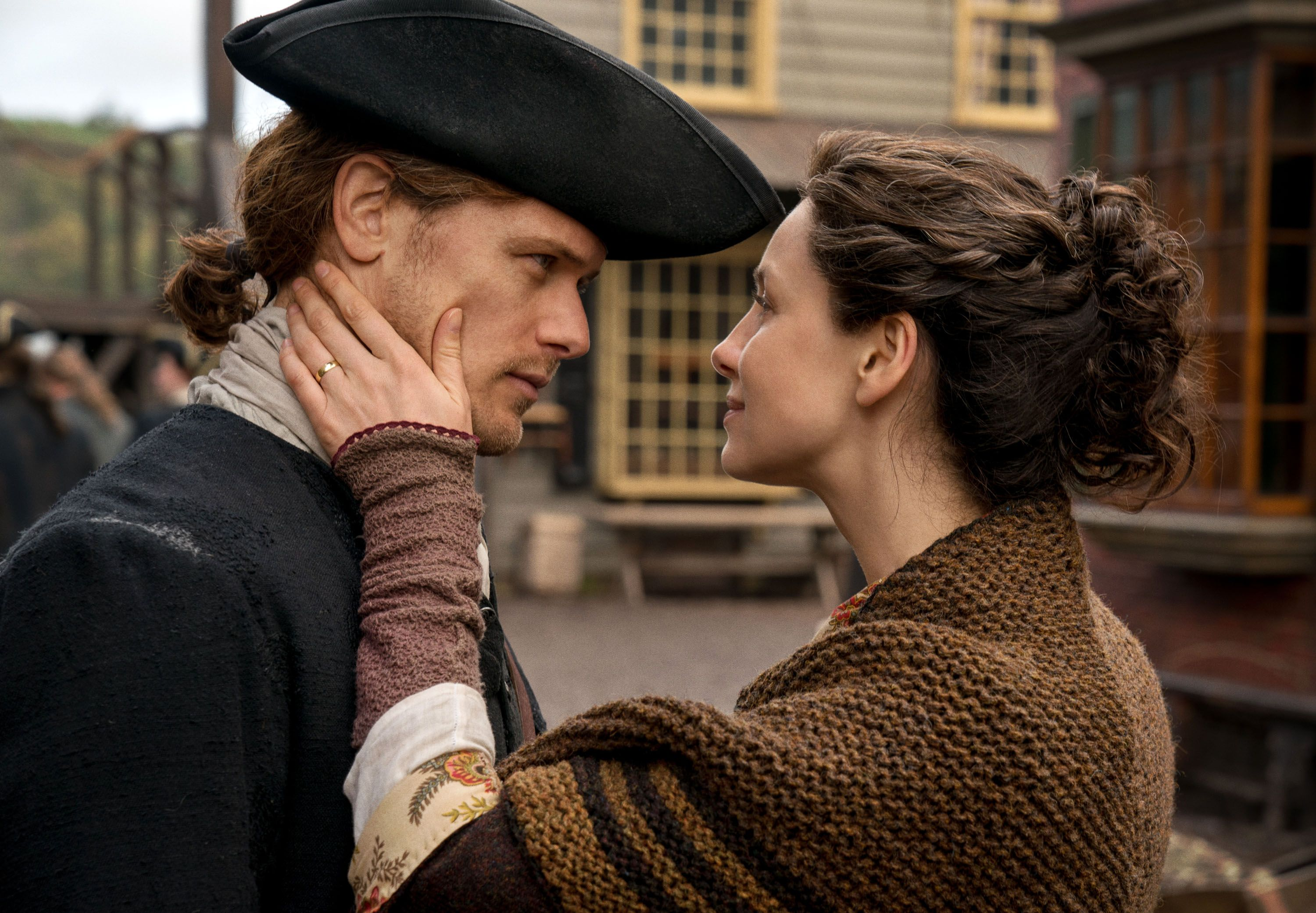 Outlander Season 4: Sam Heughan and Caitriona Balfe Interview | Collider