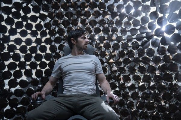 nightflyers-eion-macken-image