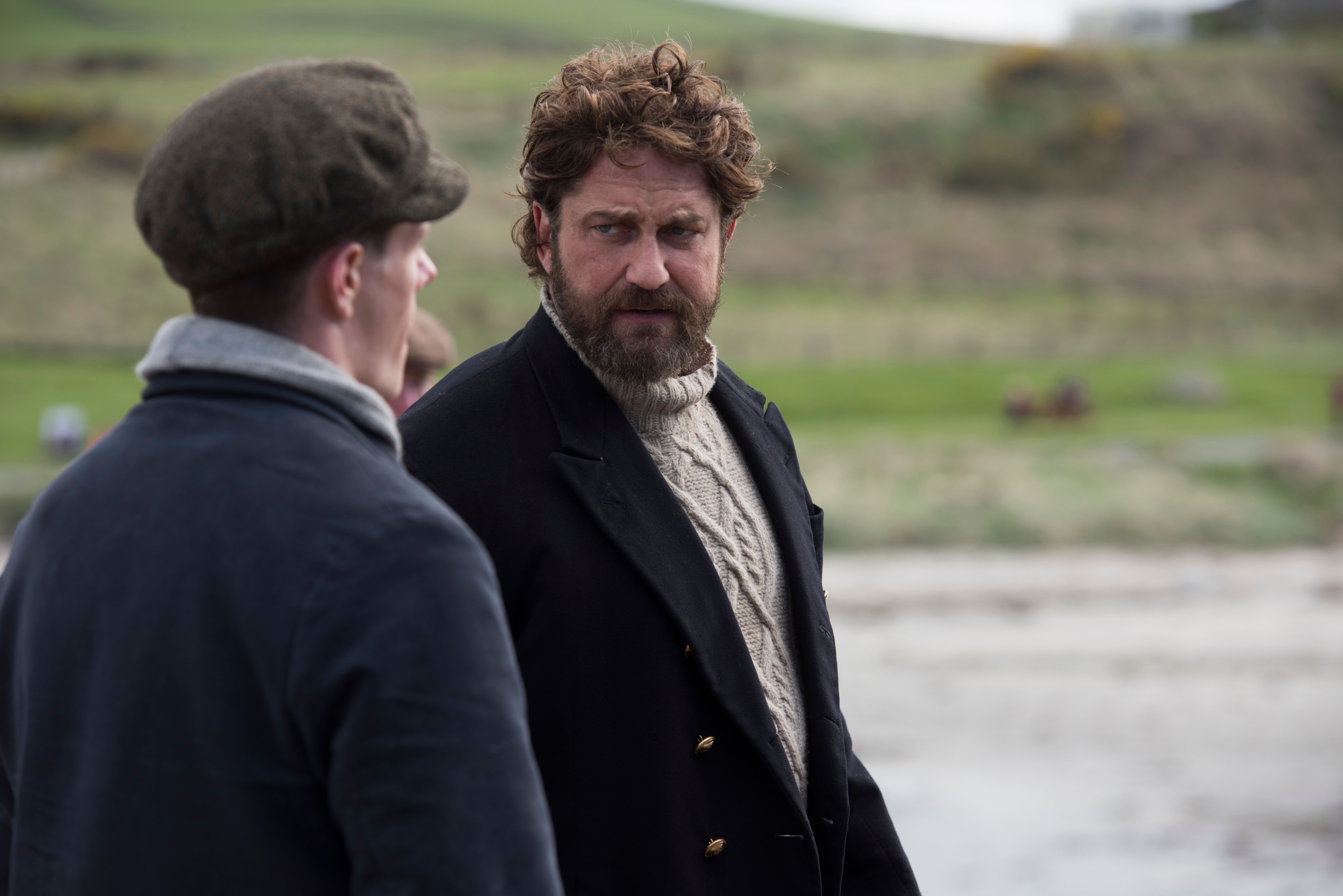Whose House Our House >> The Vanishing Clip Features Gerard Butler as an Angry Lighthouse Keeper | Collider