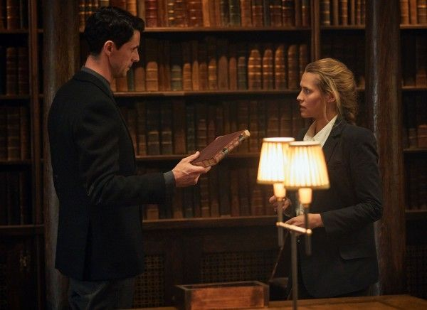 a-discovery-of-witches-teresa-palmer-matthew-goode-02