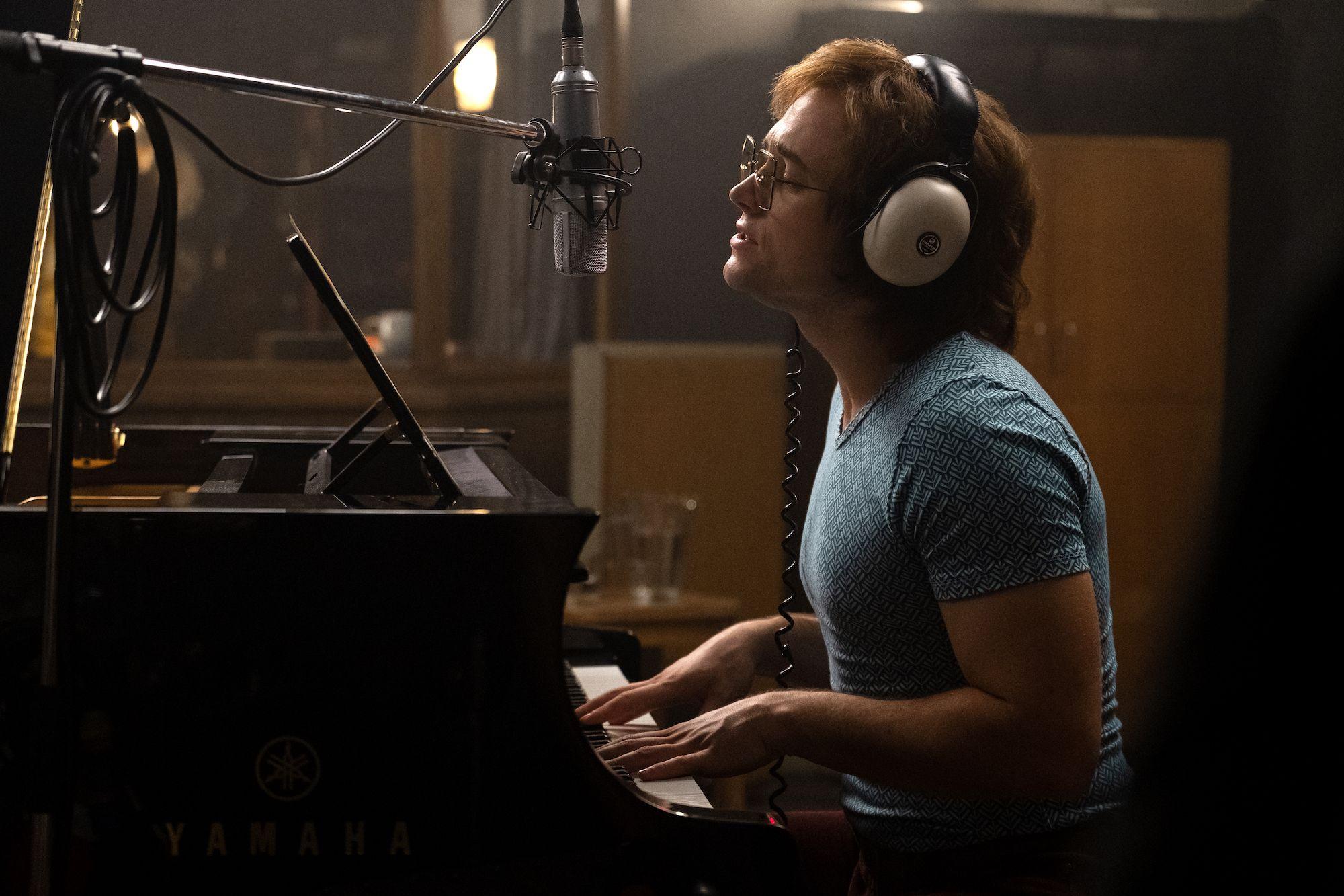 Rocketman Deleted Scene Has Elton John Confronting His Addiction