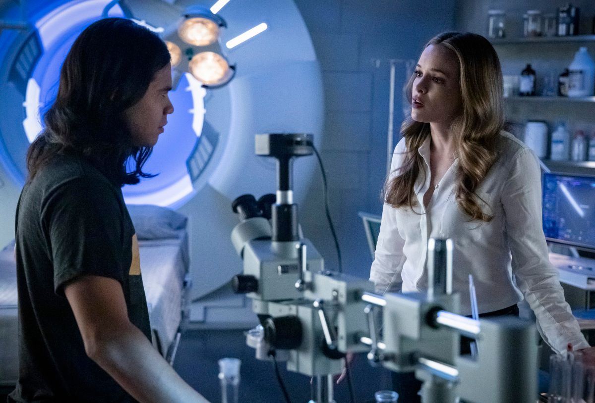 The Flash Season 5 Episode 10 Images Reveal a Post-Elseworlds Team