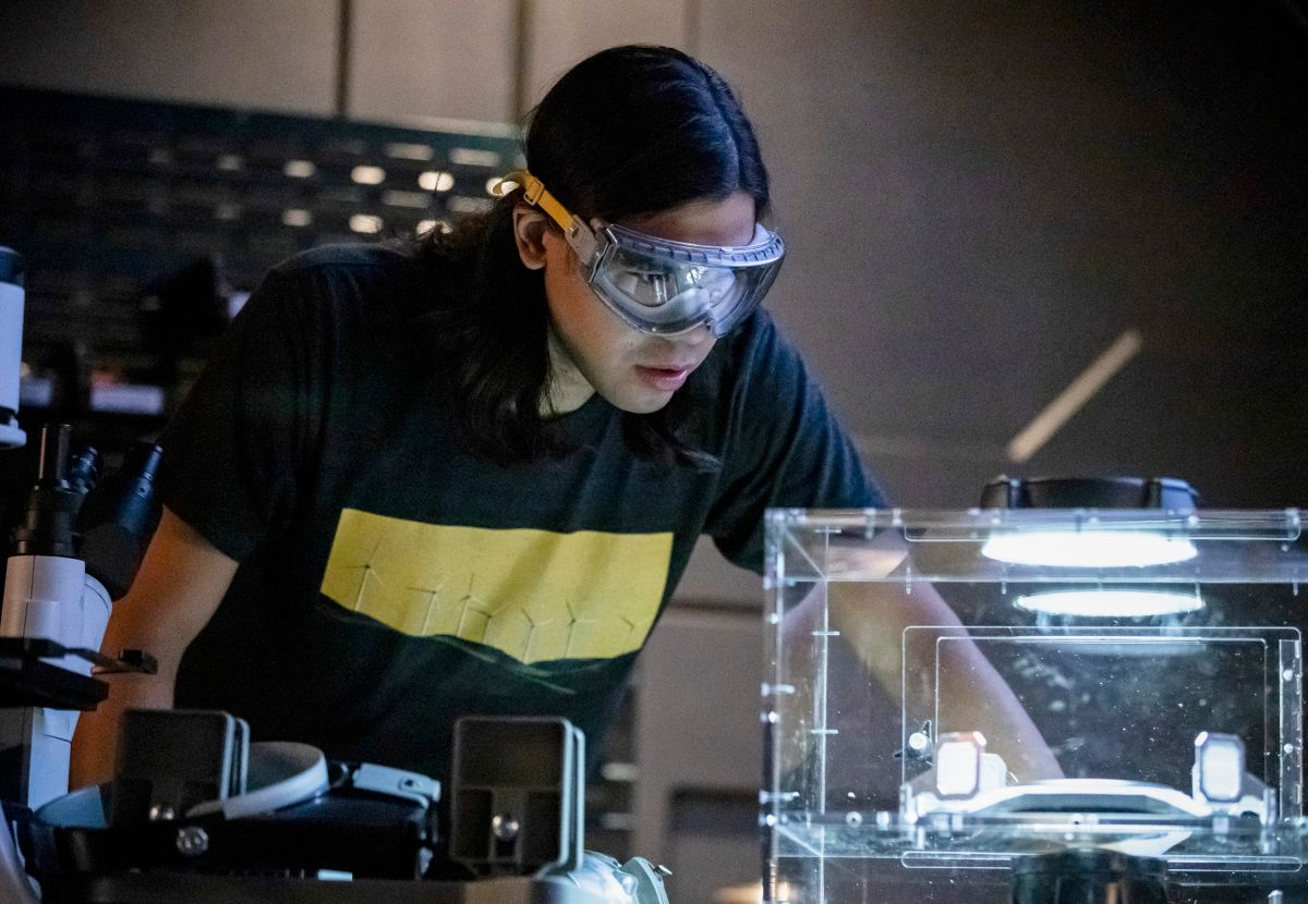 The Flash Season 5 Episode 10 Images Reveal a Post