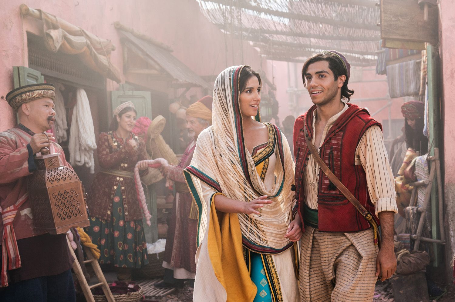New 'Aladdin' TV Spot Takes You to a Very Sparkly Whole New World