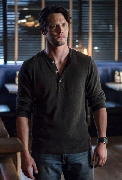 roswell-new-mexico-nathan-parsons