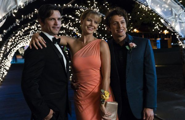 roswell-new-mexico-nathan-parsons-lily-cowles-michael-vlami