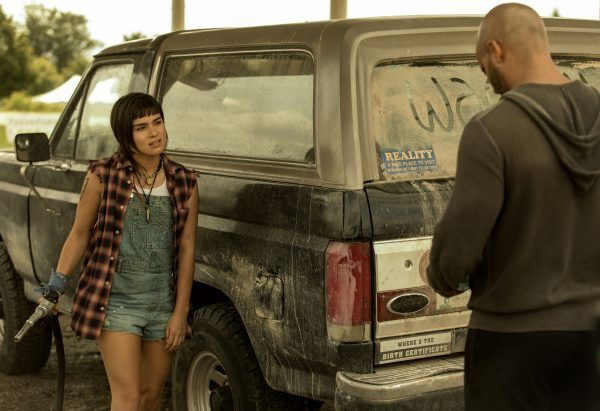 american-gods-devery-jacobs-ricky-whittle-02
