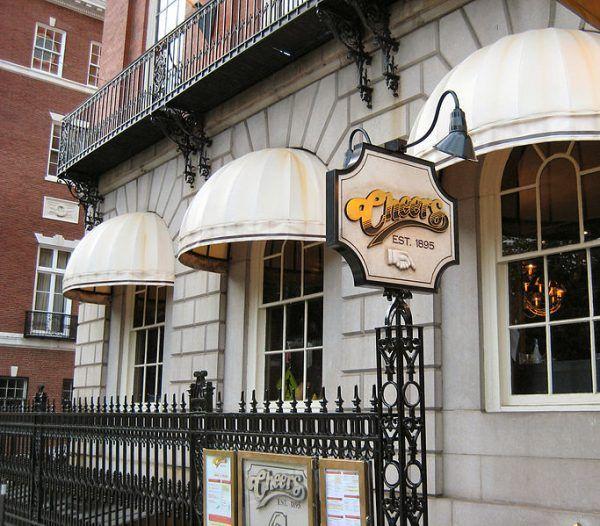 cheers-bar-boston-wikimedia-commons