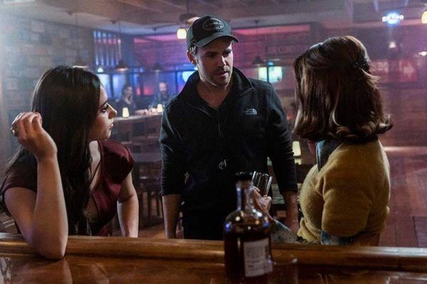 roswell-new-mexico-heather-hemmens-jeanine-mason-paul-wesley