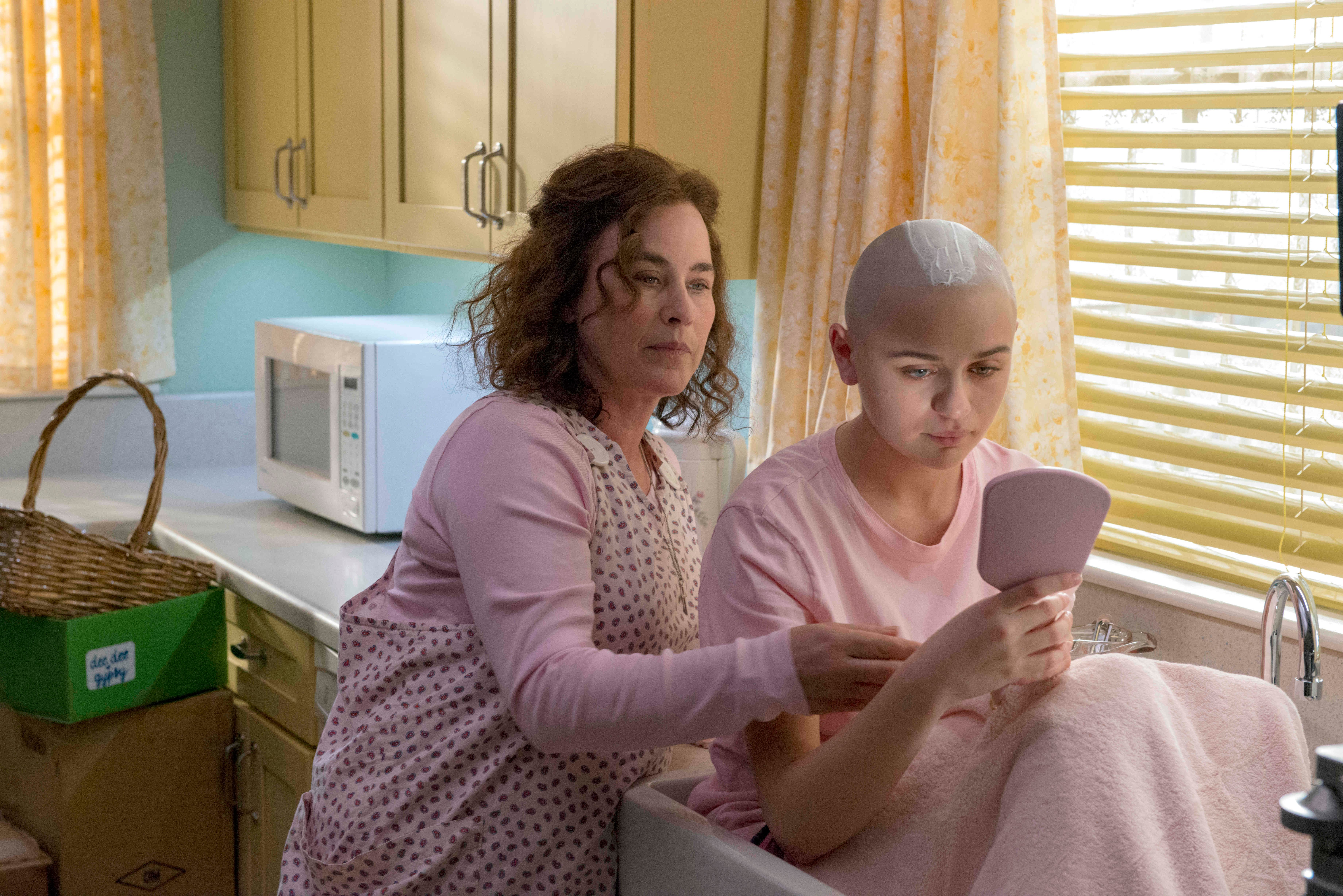 The Act Review: Hulu's True Crime Miniseries Takes on a