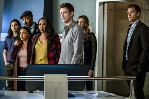 the-flash-grant-gustin-hartley-sawyer-danielle-panabaker-candice-patton-jesse-l-martin-danielle-nicolet-carlos-valdes
