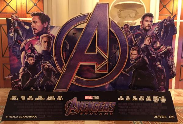 avengers-endgame-standee-cinemacon