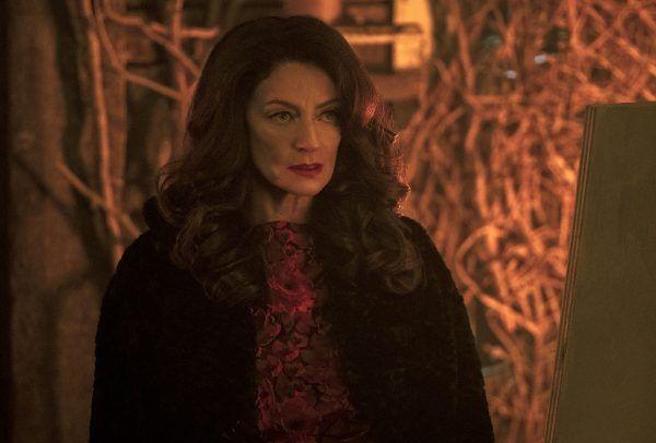 Michelle Gomez en Las escalofriantes aventuras de Sabrina