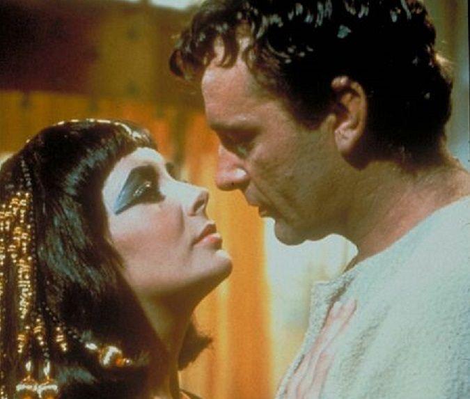 cleopatra-elizabeth-taylor-richard-burton