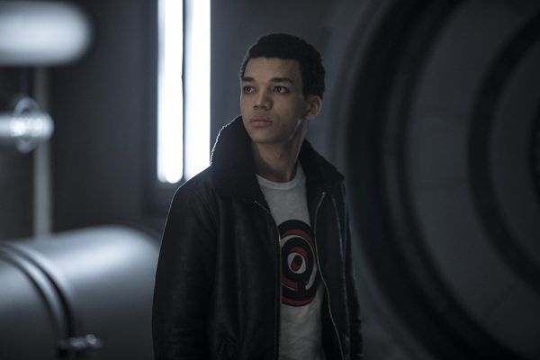 detective-pikachu-justice-smith-4
