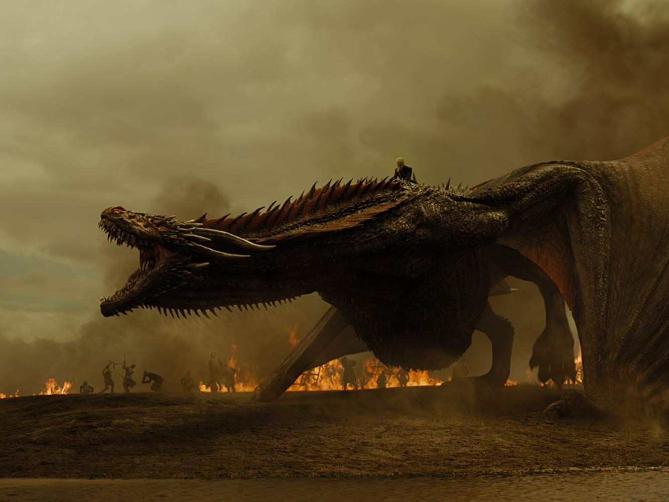 game-of-thrones-emilia-clarke-dragon
