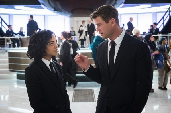 men-in-black-international-image-tessa-thompson-chris-hemsworth