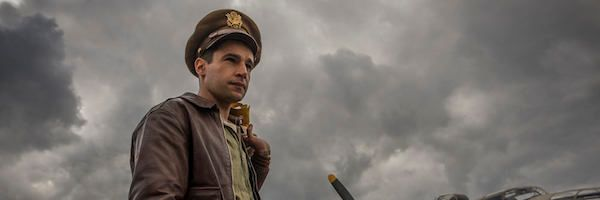 catch-22-christopher-abbott-slice