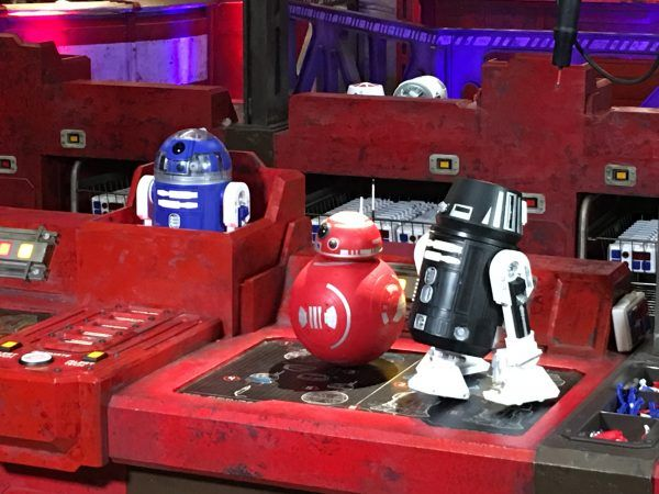 star-war galaxy-edge-droid depot