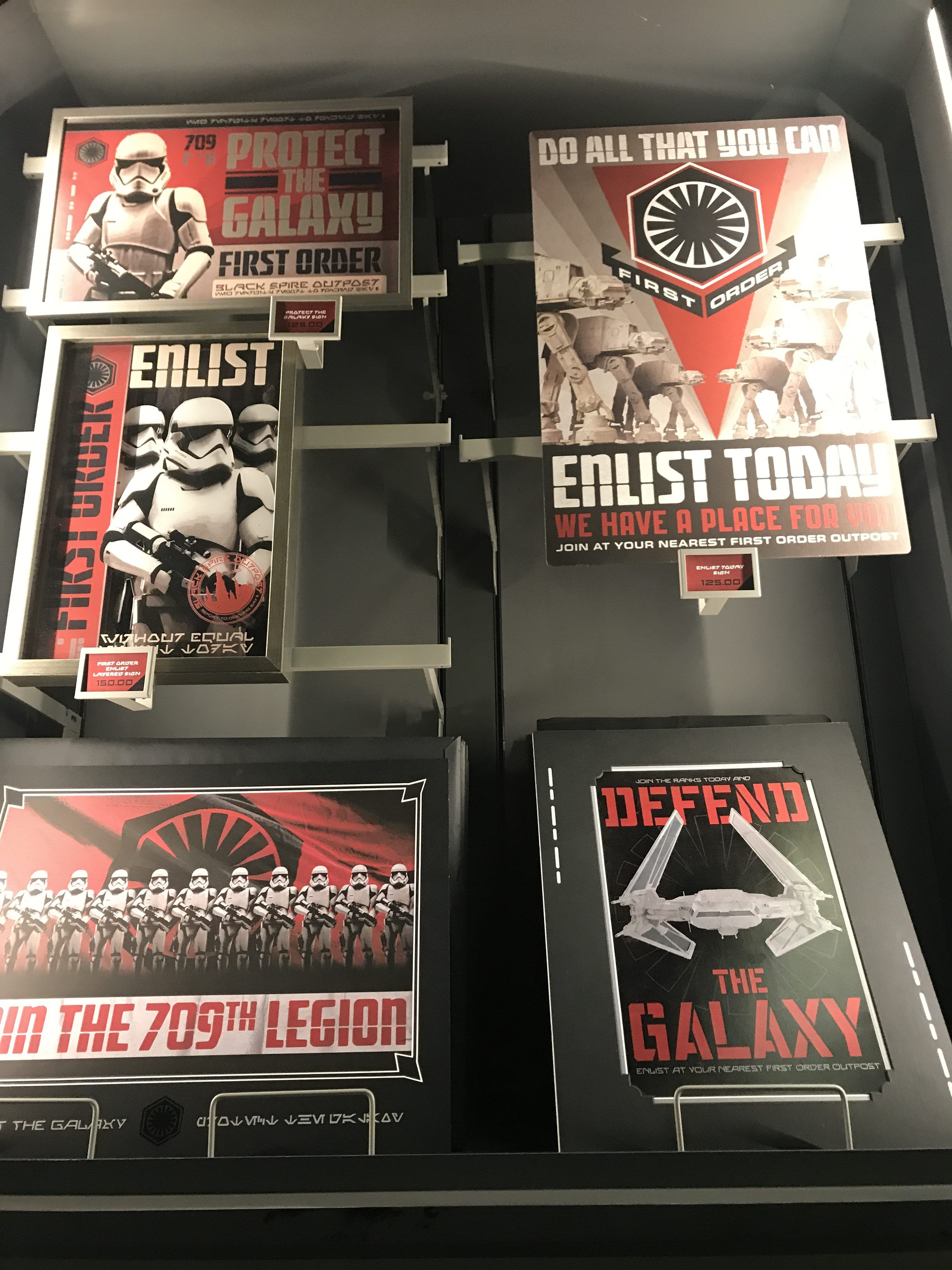Star wars galaxy 39 s edge merch toys and clothing images for Merchandising star wars