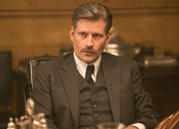 we-have-always-lived-in-the-castle-crispin-glover-02