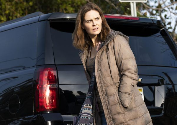 animal-kingdom-emily-deschanel