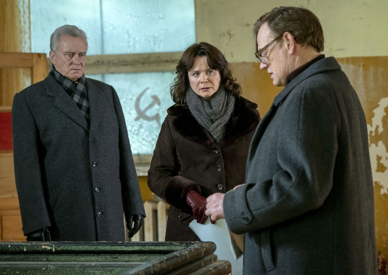 Chernobyl Director Johan Renck on Shooting the Miniseries Like a
