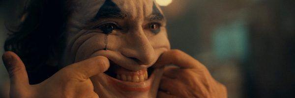 joker-joaquin-phoenix-smiling-makeup