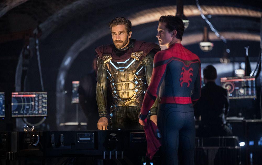 Zendaya Wears Spider-Man-Inspired Dress at Los Angeles Premiere