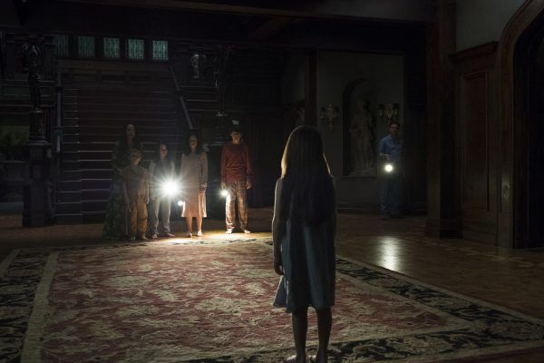 the-haunting-of-hill-house-episode-6-image-3
