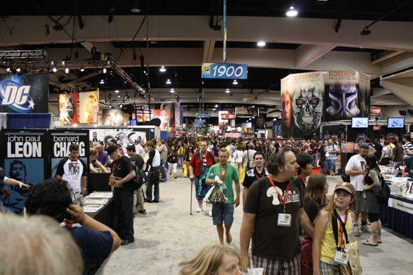 Comic Con 2009 floor image (12)