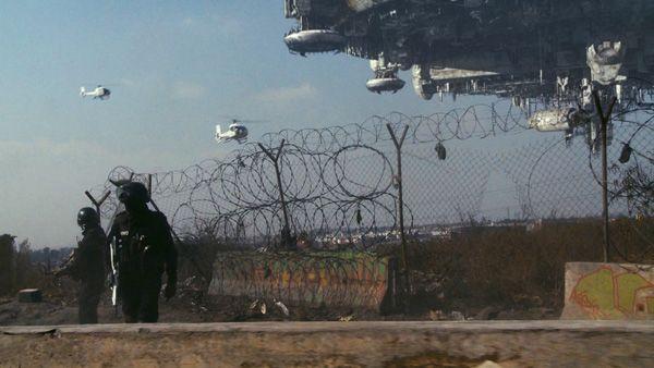 District 9 movie image (14)