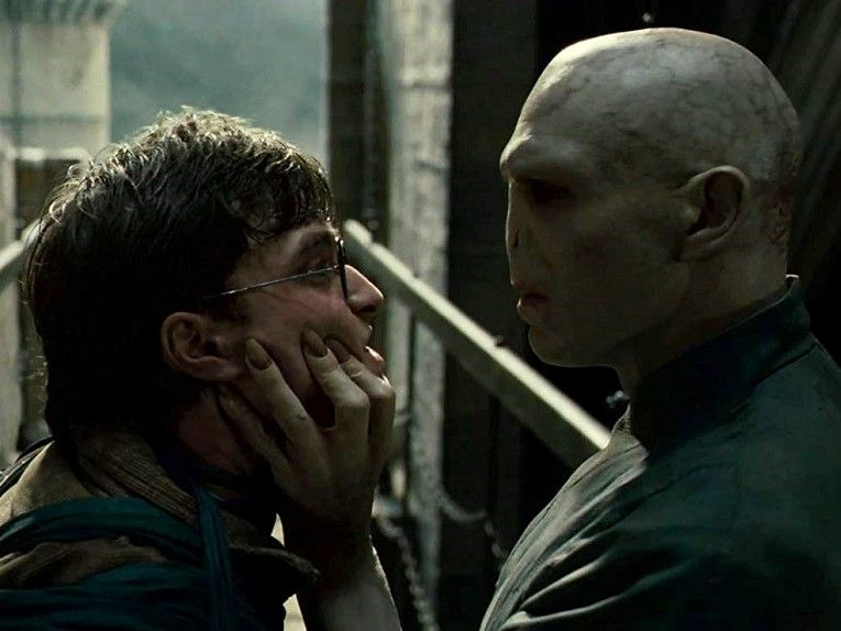 harry-potter-deathly-hallows-part-2-daniel-radcliffe-ralph-fiennes