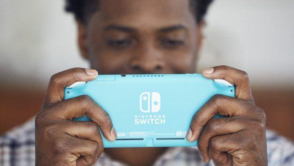 nintendo-switch-lite-back