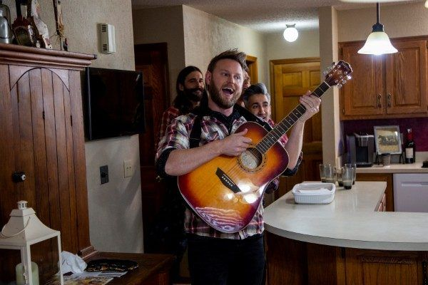 queer-eye-season-4-bobby-berk-guitar