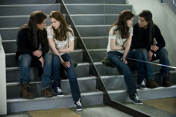 The Twilight Saga New Moon movie image Kristen Stewart, Taylor Lautner (2)