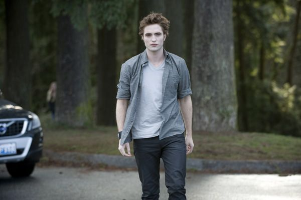 The Twilight Saga New Moon movie image Robert Pattinson