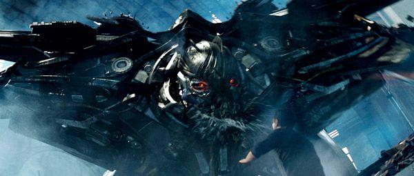 transformers-revenge-of-the-fallen-movie-image-3.jpg