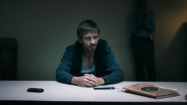 breaking-bad-movie-netflix-el-camino-teaser-photo-interrogation