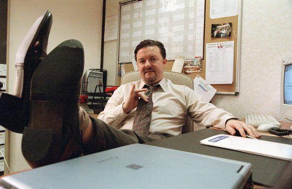 the-office-ricky-gervais-feet-up-desk
